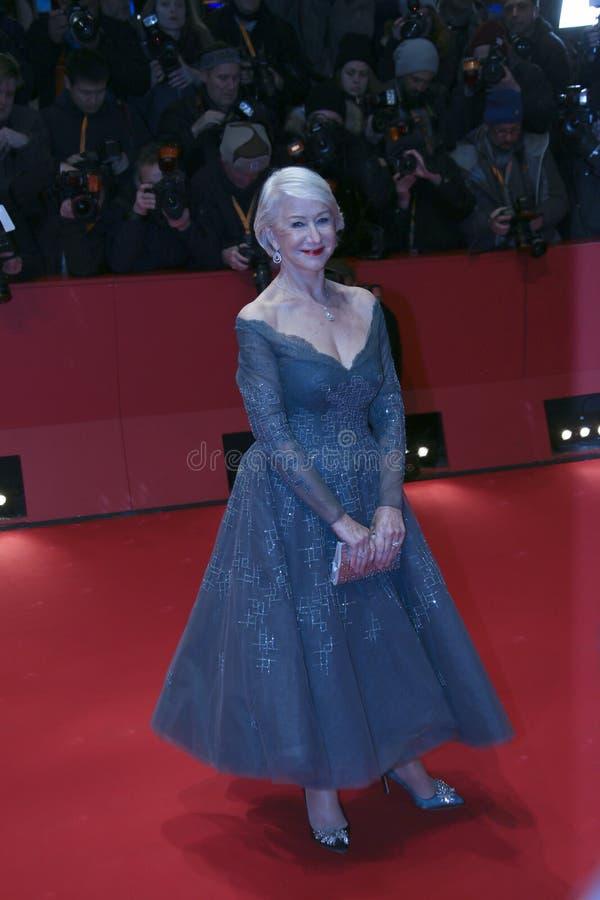 Helen Mirren woont de Openingsceremonie & `-Eiland van Honden ` bij royalty-vrije stock fotografie