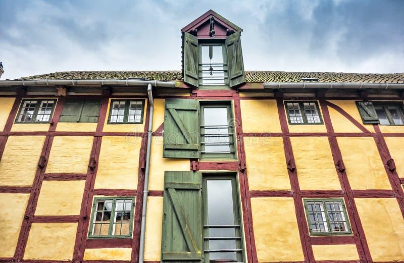 Helft-betimmerd huis in Kerteminde stock foto