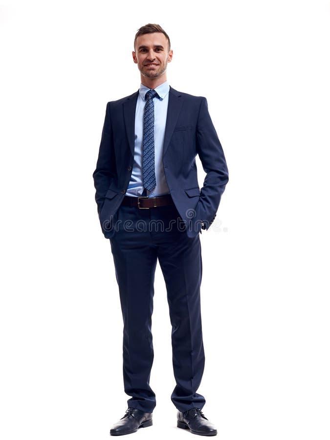 Helft-lengte portret van de bedrijfsmens met gekruiste die handen, op witte achtergrond wordt geïsoleerd royalty-vrije stock foto's