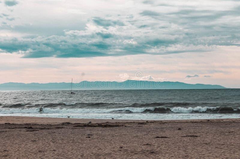 Helg till och med den Kalifornien kusten - huvudväg 1 arkivfoton