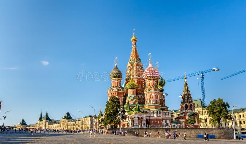 Helgon Basil Cathedral i röd fyrkant av Moskva arkivbilder
