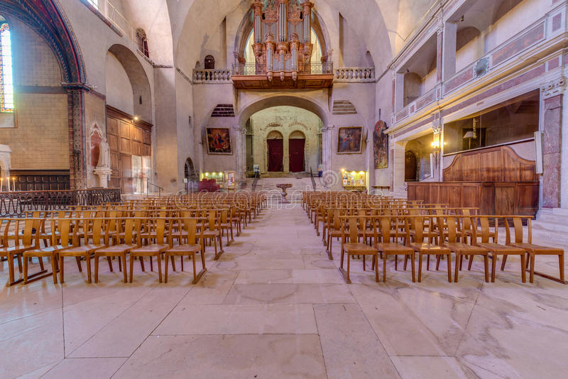 Helgon Etienne Catholic i Cahors, Frankrike arkivfoton