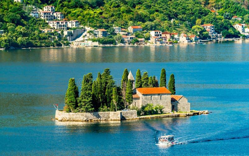 Helgon George Island i fjärden av Kotor, Montenegro arkivfoto
