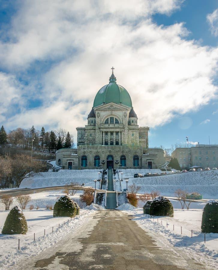 Helgon Joseph Oratory med snö - Montreal, Quebec, Kanada arkivbilder