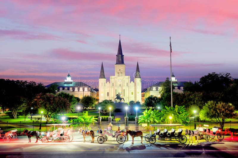 Helgon Louis Cathedral och Jackson Square i New Orleans, Louisia royaltyfria foton