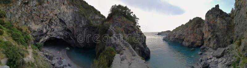 Helgon Nicholas Arcella - överblick på Arcomagnoen royaltyfria foton