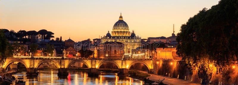 Helgon Peters Basilica - Vaticanen - Rome, Italien arkivfoton