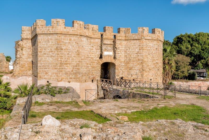 Helgon Pietro Fortress av slotten på havet i Palermo, Sicilien, Italien arkivbild