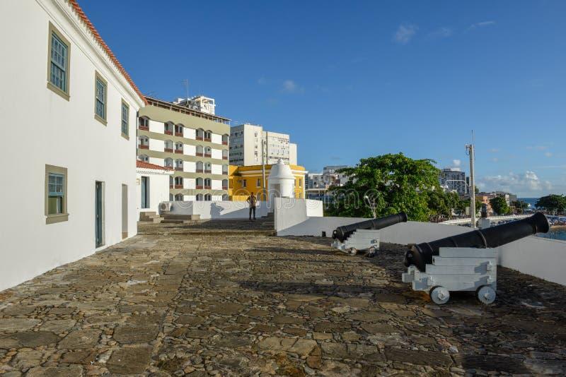 HelgonAntonio fort p? Porto da Barra i Salvador Bahia p? Brasilien arkivbilder