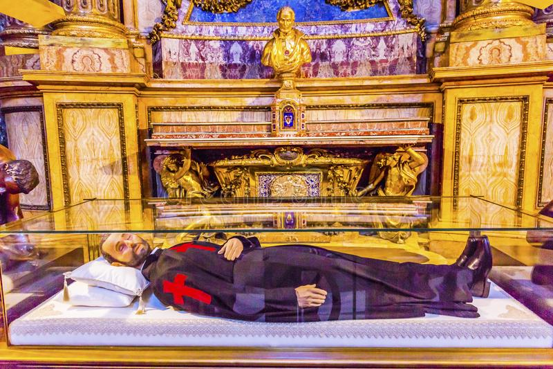 HelgonCamillus de Lellis Santa Maria Maddalena kyrka Rome Italien arkivbild