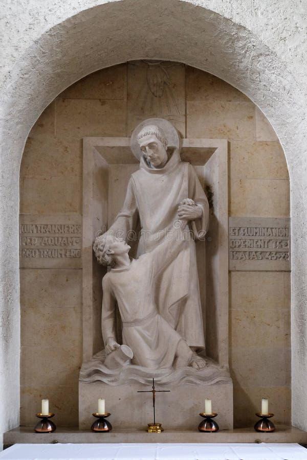 Helgonet Mauro räddar unga Placidus från drunkning royaltyfria foton
