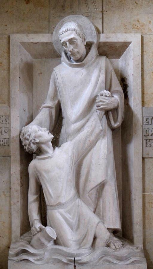 Helgonet Mauro räddar unga Placidus från drunkning royaltyfri foto