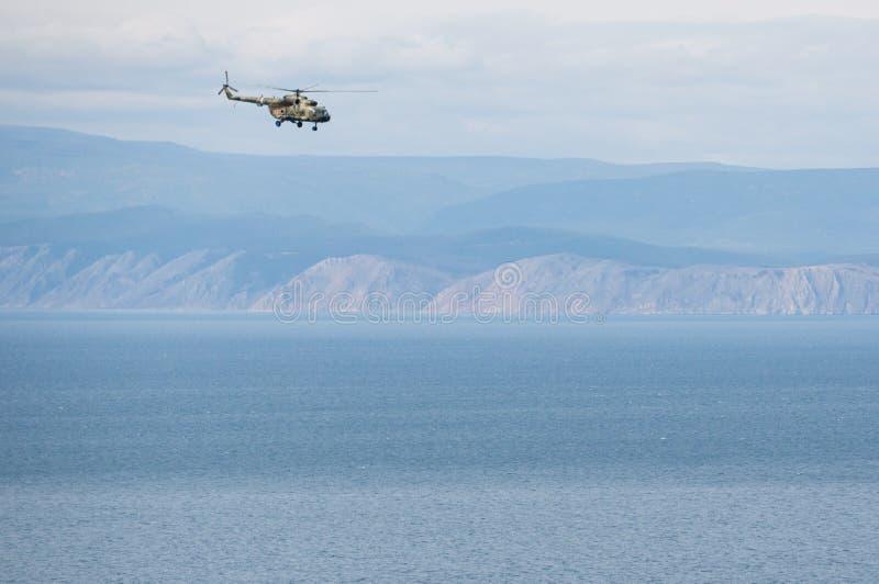 Download Helicóptero foto de stock. Imagem de floresta, lago, outdoors - 65581400