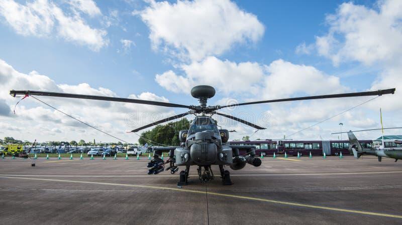 Helicóptero de ataque de Apache imagens de stock