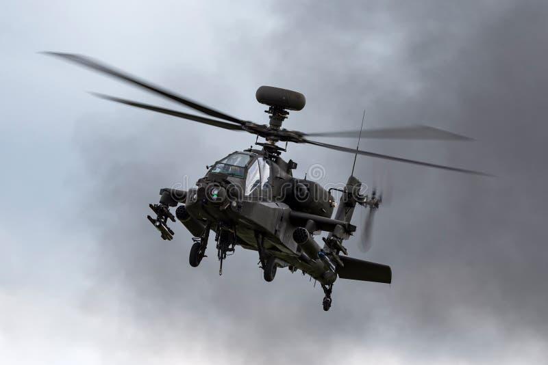 Helicóptero de ataque ZJ de AgustaWestland WAH-64D Apache AH1 172 do corpo de ar do exército britânico fotos de stock