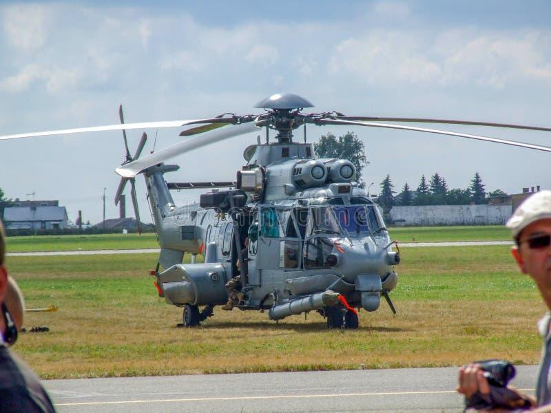 Helicóptero de los militares de la EC 725 de Eurocopter para el ejército polaco fotos de archivo libres de regalías
