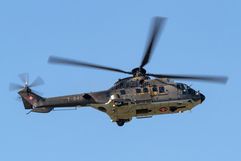 Helicóptero para uso general militar suizo T-340 de Aerospatiale AS532 TH98 de la fuerza aérea fotografía de archivo libre de regalías