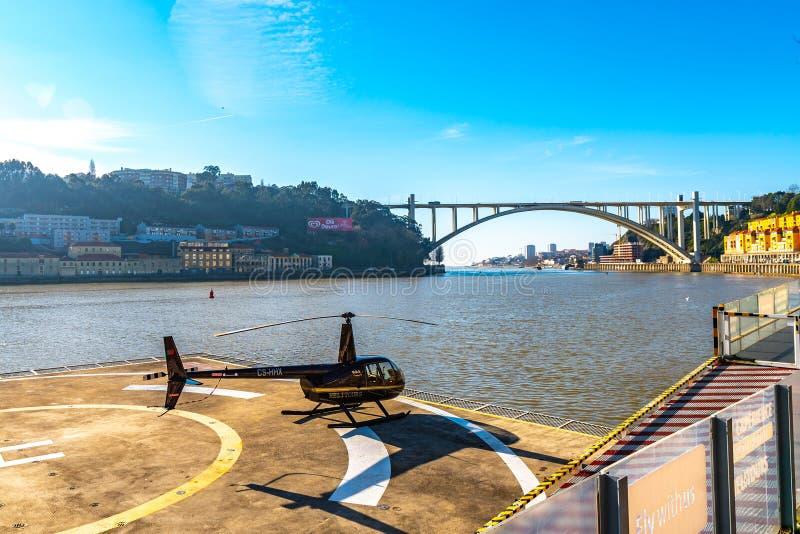 Helicóptero Porto Helitours foto de archivo libre de regalías