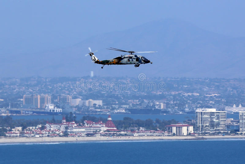 Download Helicóptero Sobre San Diego Imagen de archivo - Imagen de diego, azul: 64203963