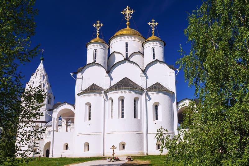 Helig Pokrovsky kloster i Suzdal, guld- cirkel av Ryssland arkivfoto