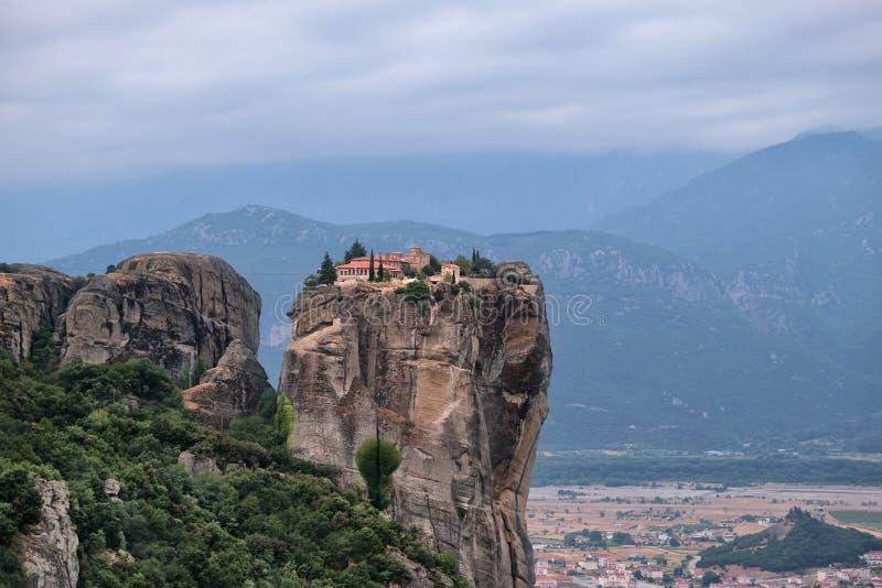 Helig Treenighet f?r kloster, Meteora, Grekland arkivfoton