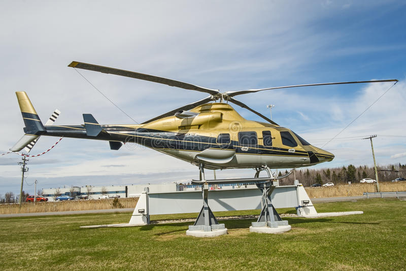 Download Helikopter stock foto. Afbeelding bestaande uit snel - 54075990