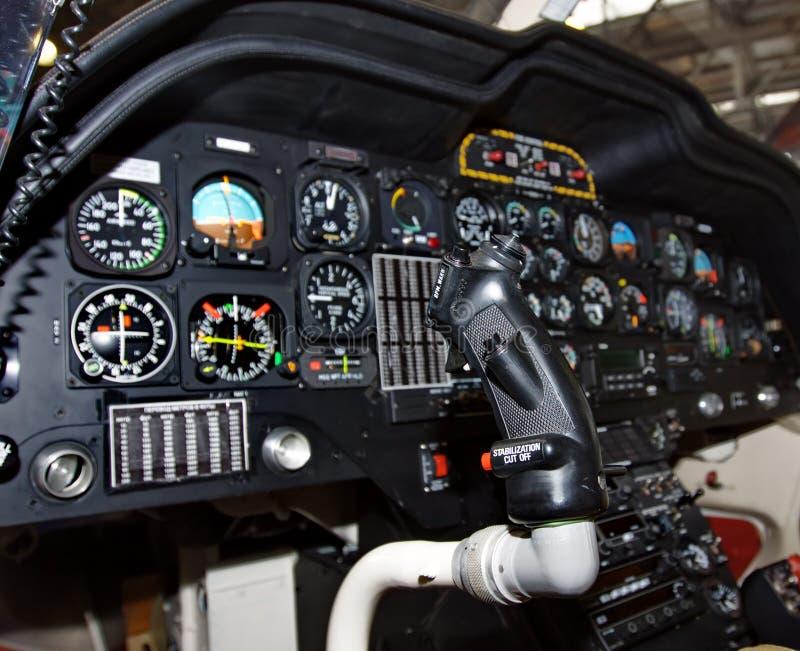 helikopter cockpit instrumenty obraz stock