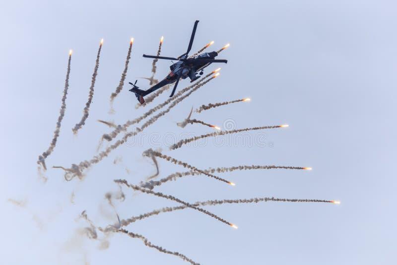Helikopter die gloed vrijgeven stock afbeeldingen