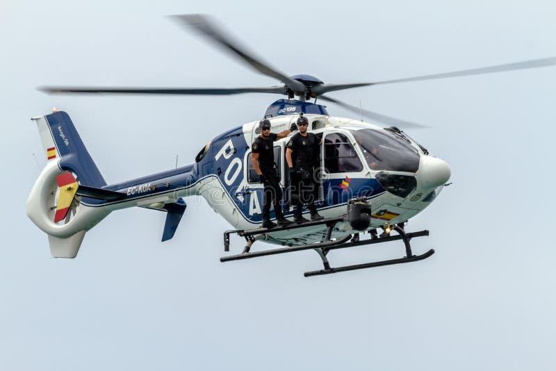 Helikopter Eurocopter EC-135 royaltyfria bilder