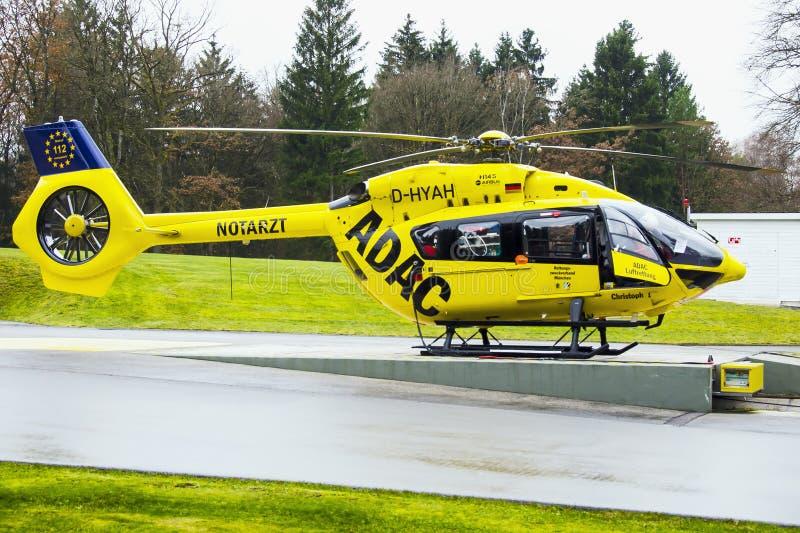 Helikopter för räddningstjänster BK117 fotografering för bildbyråer