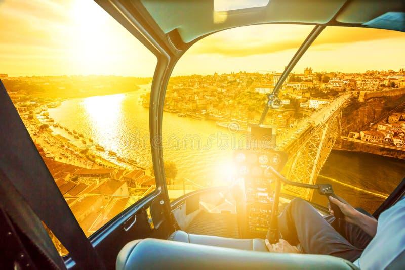 Helikopter op Porto stock afbeelding