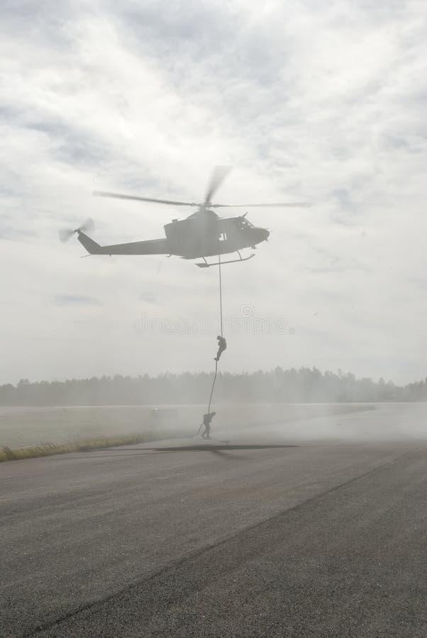 helikopter rappelling obraz royalty free