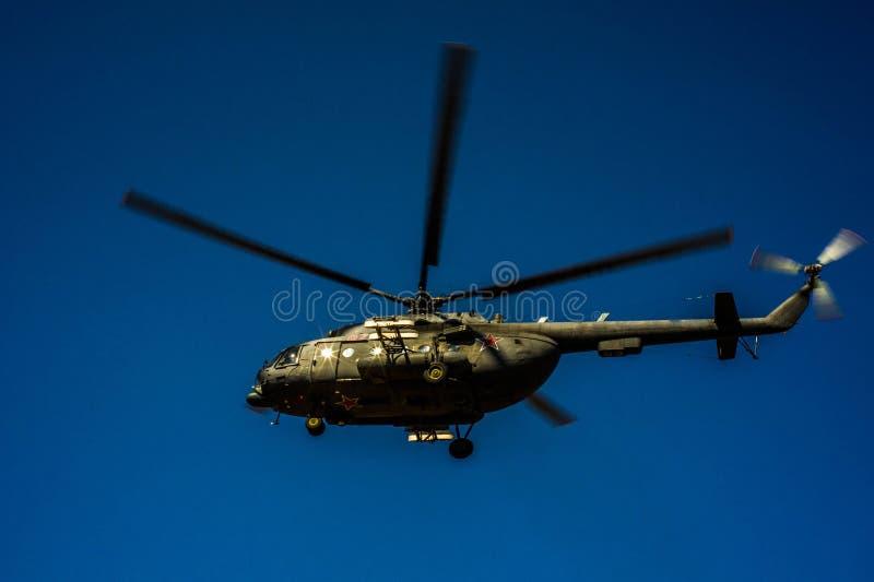 Helikoptern Mi-8 arkivbild