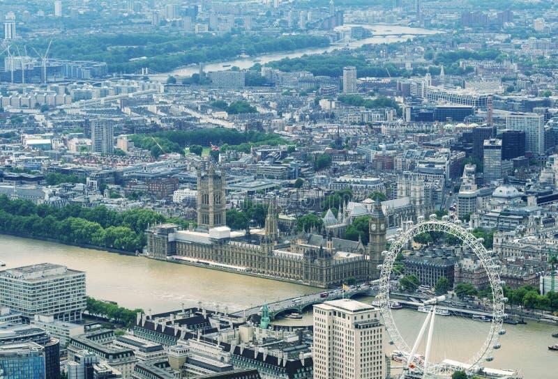Helikoptersikt av hus av parlament- och Westminster område, Lo royaltyfri foto