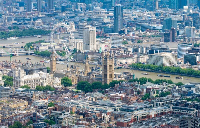 Helikoptersikt av London Flyg- sikt för härlig stad arkivbilder