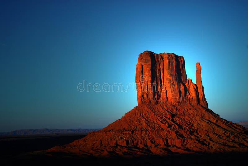 Hell, eine Felsenanordnung im Denkmal-Tal schlagend stockfotos