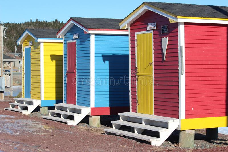 Hell farbige Garderobenhallen stockfotografie
