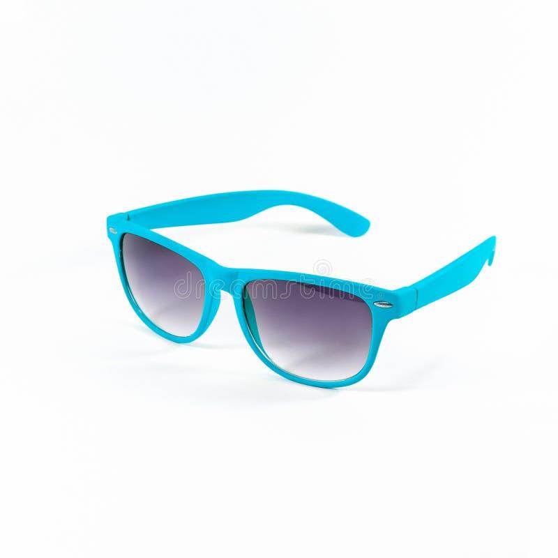 Hellblaue Sonnenbrille lokalisiert lizenzfreie stockfotos