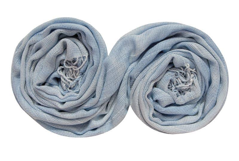 Hellblauer Schal ist in der gewundenen Form stockfoto