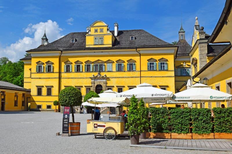 Hellbrunn slott, sommaruppehåll av ärkebiskopen av Salzburg fotografering för bildbyråer
