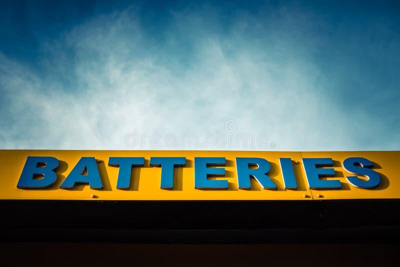 Helle Batterien unterzeichnen lizenzfreie stockfotos