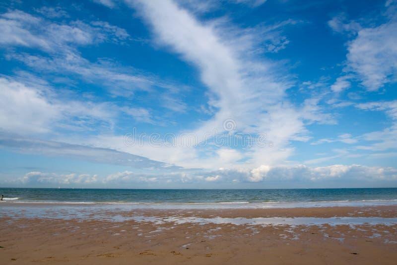 Helle Brise auf Meer lizenzfreie stockfotografie