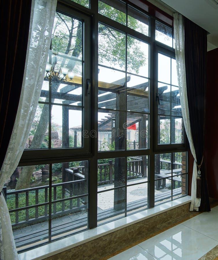 Helle Fenster lizenzfreies stockbild