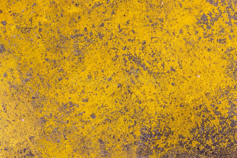 Helle k?nstlerische Malerei Gelb zog gemaltem Stuckwand-Beschaffenheitshintergrund ab Zerst?rter Beton und Backsteinmauer Abstrak stockfotos