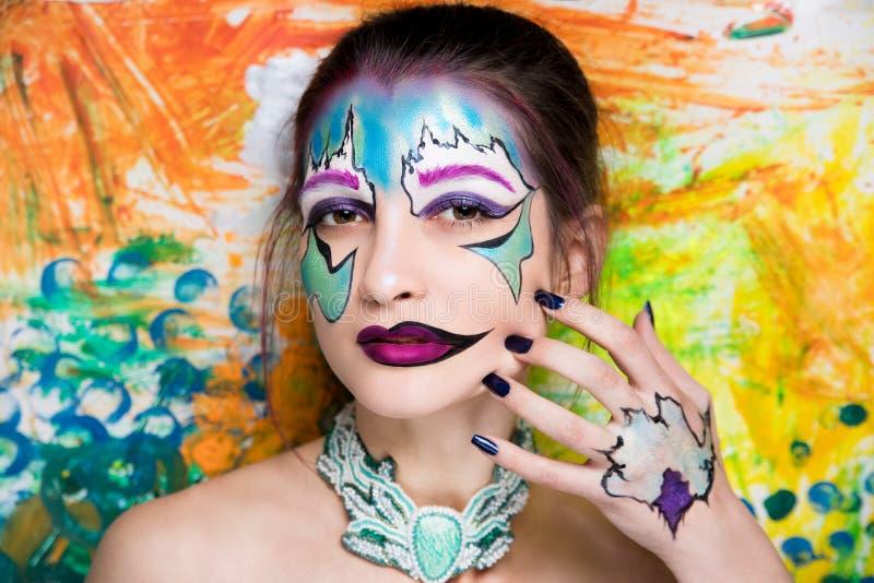 Helle Kunst der Frau bilden lizenzfreies stockfoto