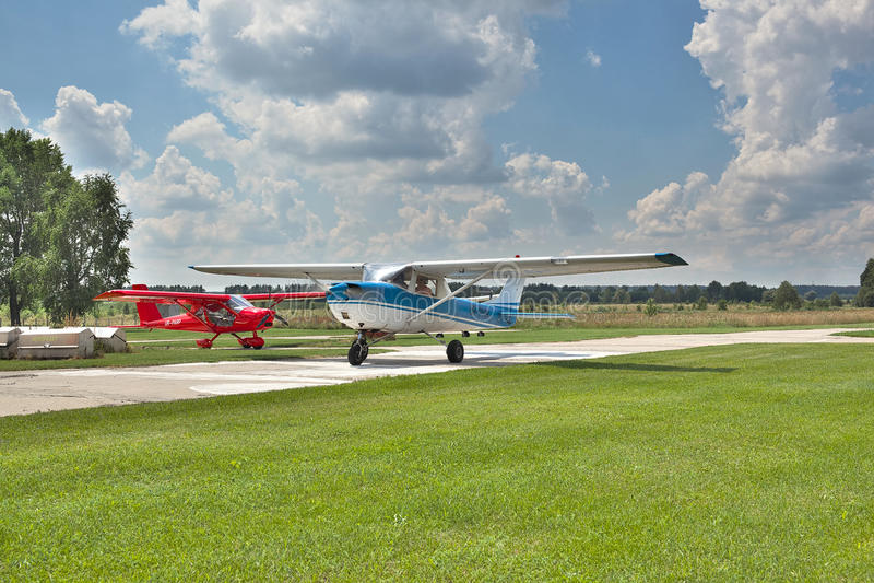 Helle Privatflugzeuge lizenzfreies stockbild