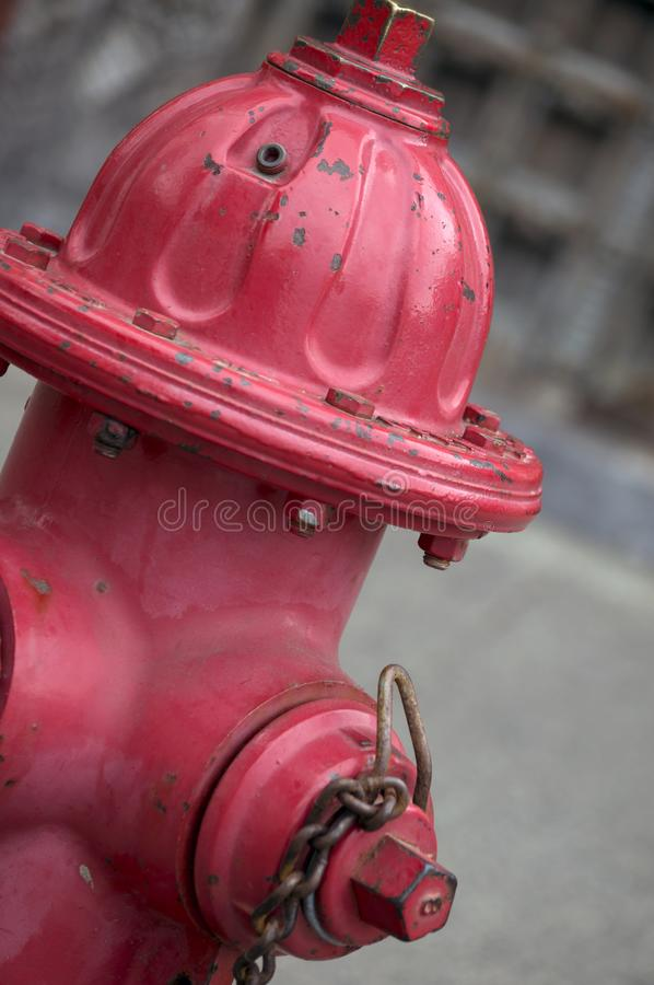 Helle rote Hydrant-Nahaufnahme lizenzfreie stockfotos