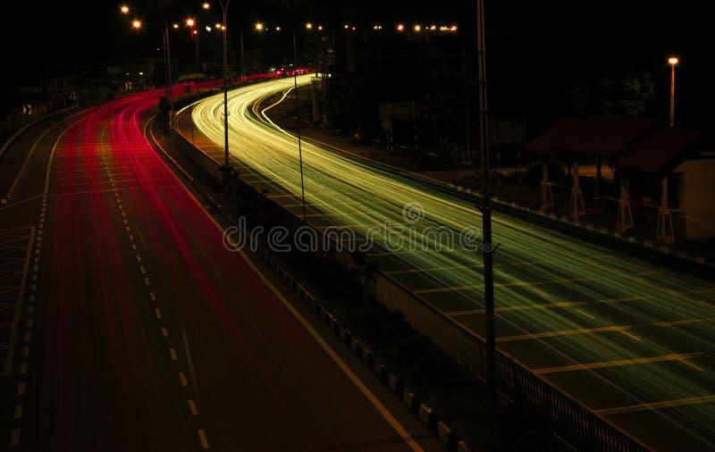 Helle Spur des starken Verkehrs lizenzfreie stockfotografie