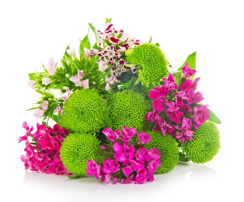 Heller Blumenstrauß von grünen Chrysanthemen lizenzfreie stockfotografie