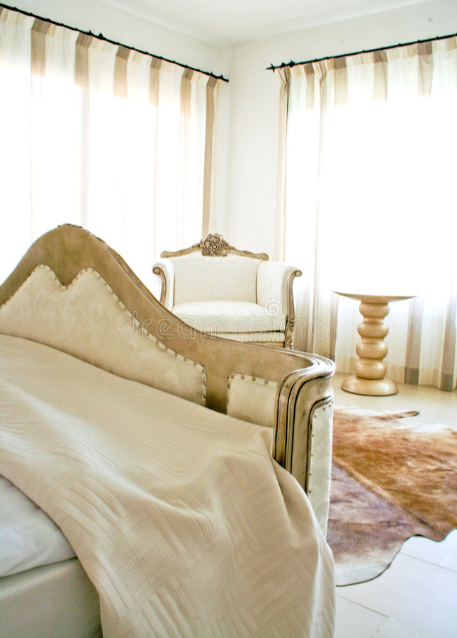 Heller Schlafzimmerinnenraum lizenzfreie stockbilder